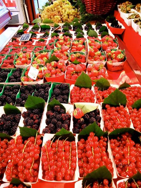 gorgeous red berries in paris