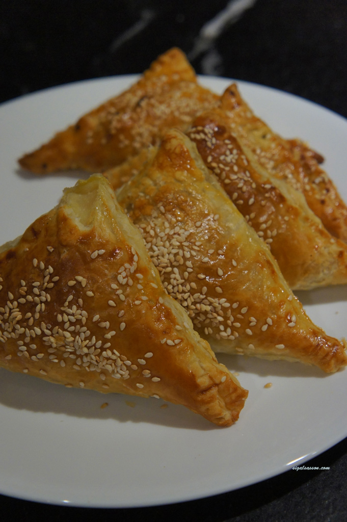Moroccan couscous stuffed in puff pastry