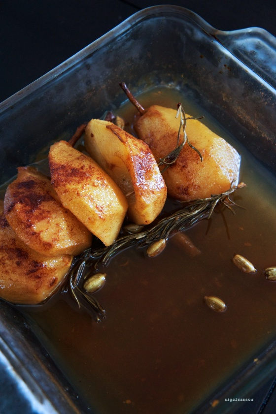 perfect baked pears with rosemary and balsamic reduction