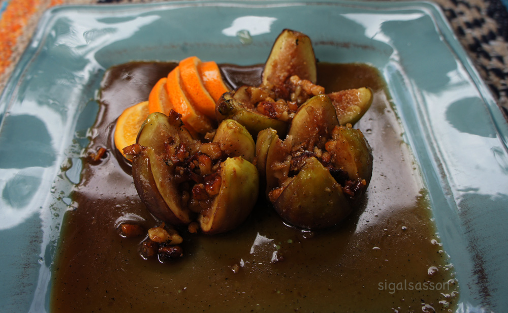 roasted figs with honey nut sauce